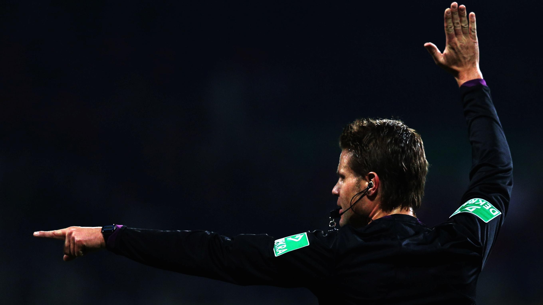 Schiedsrichter der Bundesligen :: Schiedsrichter im Einsatz ...