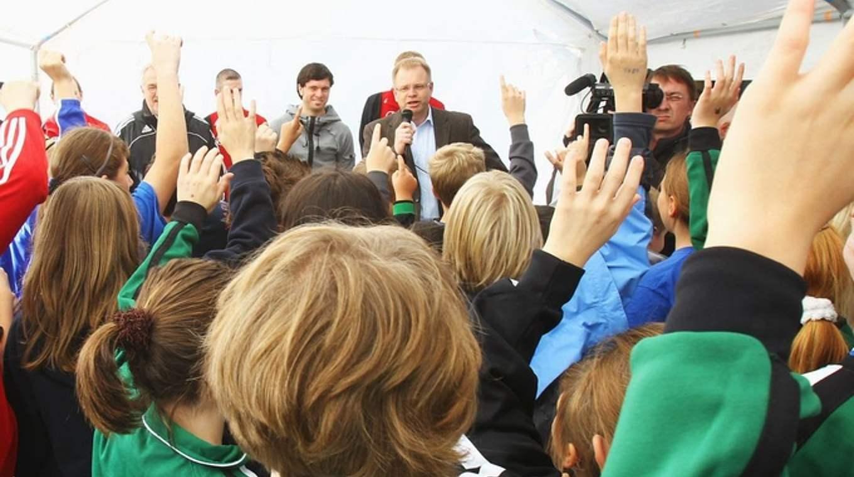 Rede Weihnachtsfeier Fussballverein.Eine Rede Halten Bei Einer Kinderweihnachtsfeier Dfb Deutscher