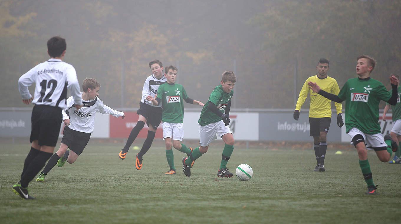 9 Gegen 9 Mit D Junioren Endlich Gibt Es Ballkontakte Fur