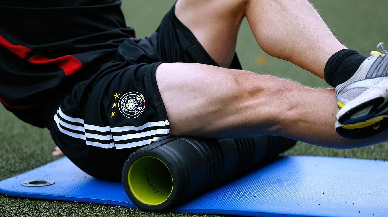 Prächtig Regenerative Übungen mit der Hartschaumrolle (Foam Roll) :: DFB @CD_87