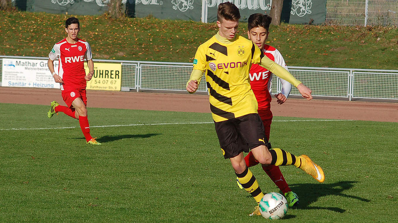 Verfolger Dortmund Und Bielefeld Messen Sich Im