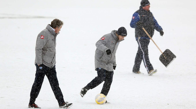 Dem Winter Trotzen Teil 1 Training Bei Schnee Dfb