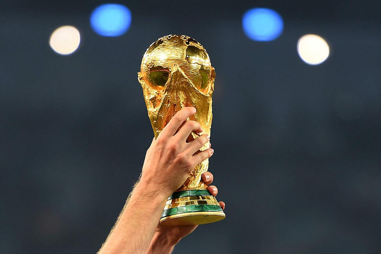 Ehrenrunde Wm Pokal Auf Deutschlandtour Dfb Deutscher
