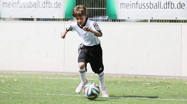 Auch zu Hause kannst du trainieren :: DFB - Deutscher Fußball-Bund ...