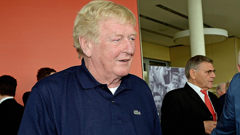 Deutscher Fußball Botschafter Schnellinger erhält Ehrenpreis