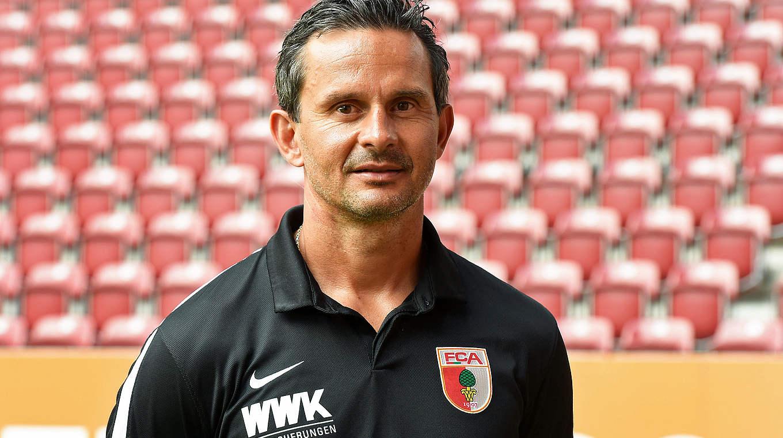 Schuster Trainer