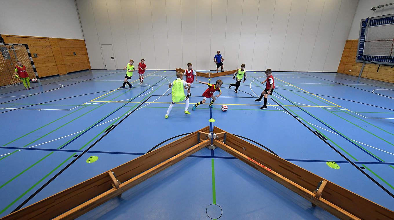 Kreative Spielideen Fur Die Halle Dfb Deutscher Fussball