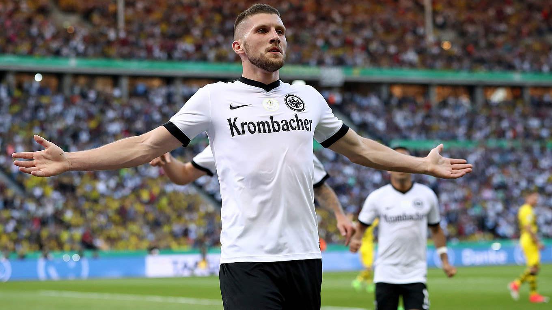 Pokalfinale Im Video Aubameyang Schießt Bvb Zum Sieg Dfb