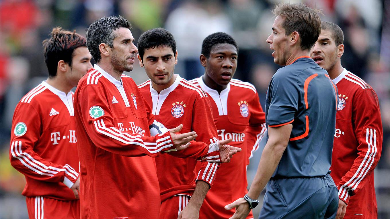 Rot-Orgie: Als Bayern-Trainer Scholl das Spiel abbrechen wollte ...