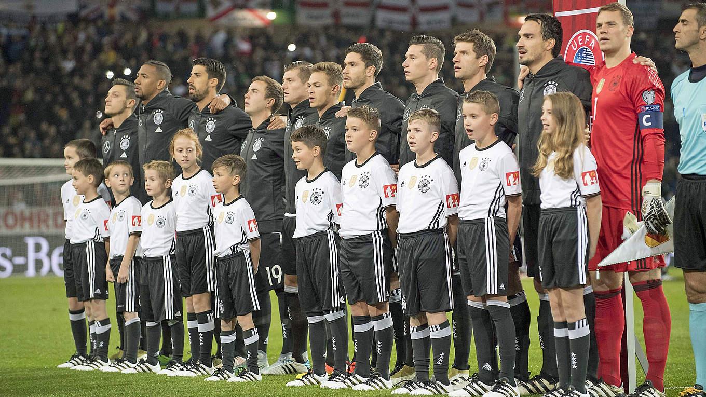 Бундеслига 2018 — Чемпионат Германии по футболу — Онлайн ...