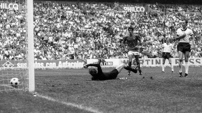 3 4 Gegen Italien Das Spiel Des Jahrhundert Dfb Deutscher Fussball Bund E V