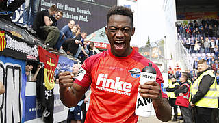 Favorit der Drittligafans am 34. Spieltag: Paderborns Angreifer Christopher Antwi-Adjej © 2018 Getty Images