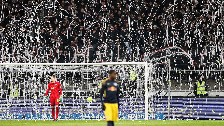 86.000 Euro Strafe für Eintracht Frankfurt :: DFB - Deutscher ...