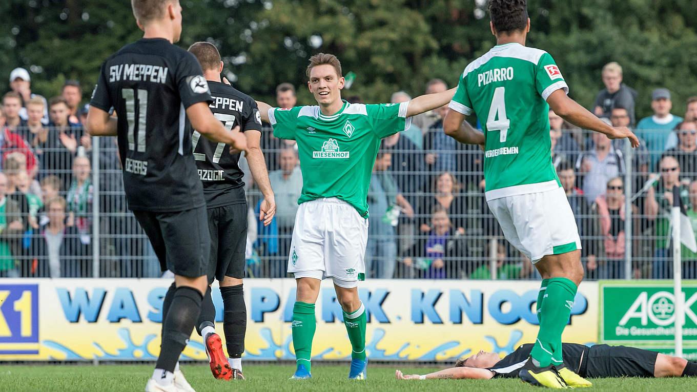 Pascal Hackethal Trifft Für Werder Profis Dfb Deutscher Fußball