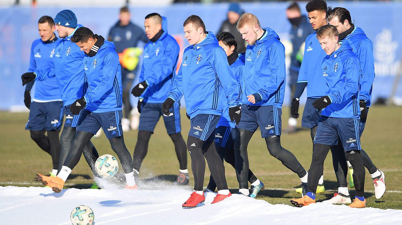 new arrival 9fc58 58bf8 Fußball im Winter: Verletzungsfrei durch die kalte ...
