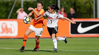 low priced 83105 d44c1 Mit ihrem sechsten U 15-Länderspiel in Holland  Ilayda Acikgöz (r.)