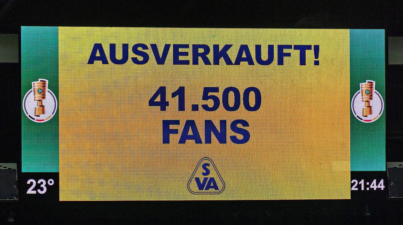 Rekordkulisse in Bremen: 41.500 Zuschauer sehen Atlas Delmenhorst gegen Werder © imago images / Nordphoto