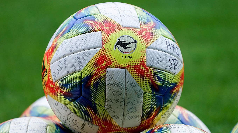 Der Ball ruht in der 3. Liga: Die Spieltage 28 und 29 werden verlegt © imago images/foto2press