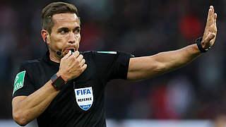 Stieler pfeift Topspiel BVB gegen FC Bayern