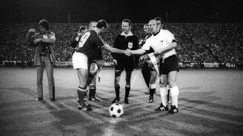 Heute Vor 50 Jahren Uns Uwe Sagt Tschus Dfb Deutscher Fussball Bund E V