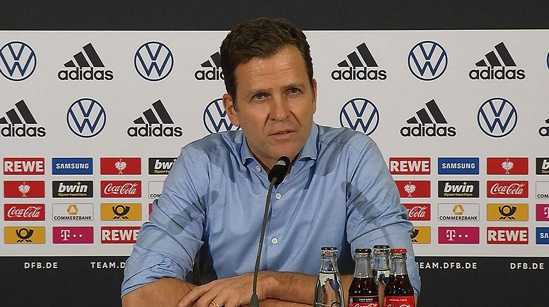 """Bierhoff: """"Schnelle Spieler wie Sané, Werner oder Gnabry stehen nicht so für Ballbesitz"""" © DFB-TV"""