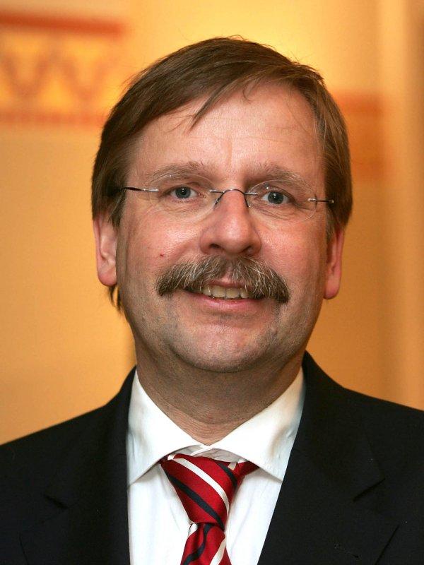 Dfb forwards schalke s note of protest to fifa dfb for Koch schalke 04