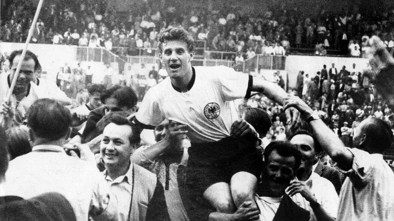 54er Legende Schafer Weltmeister Bist Du Fur Die Ewigkeit